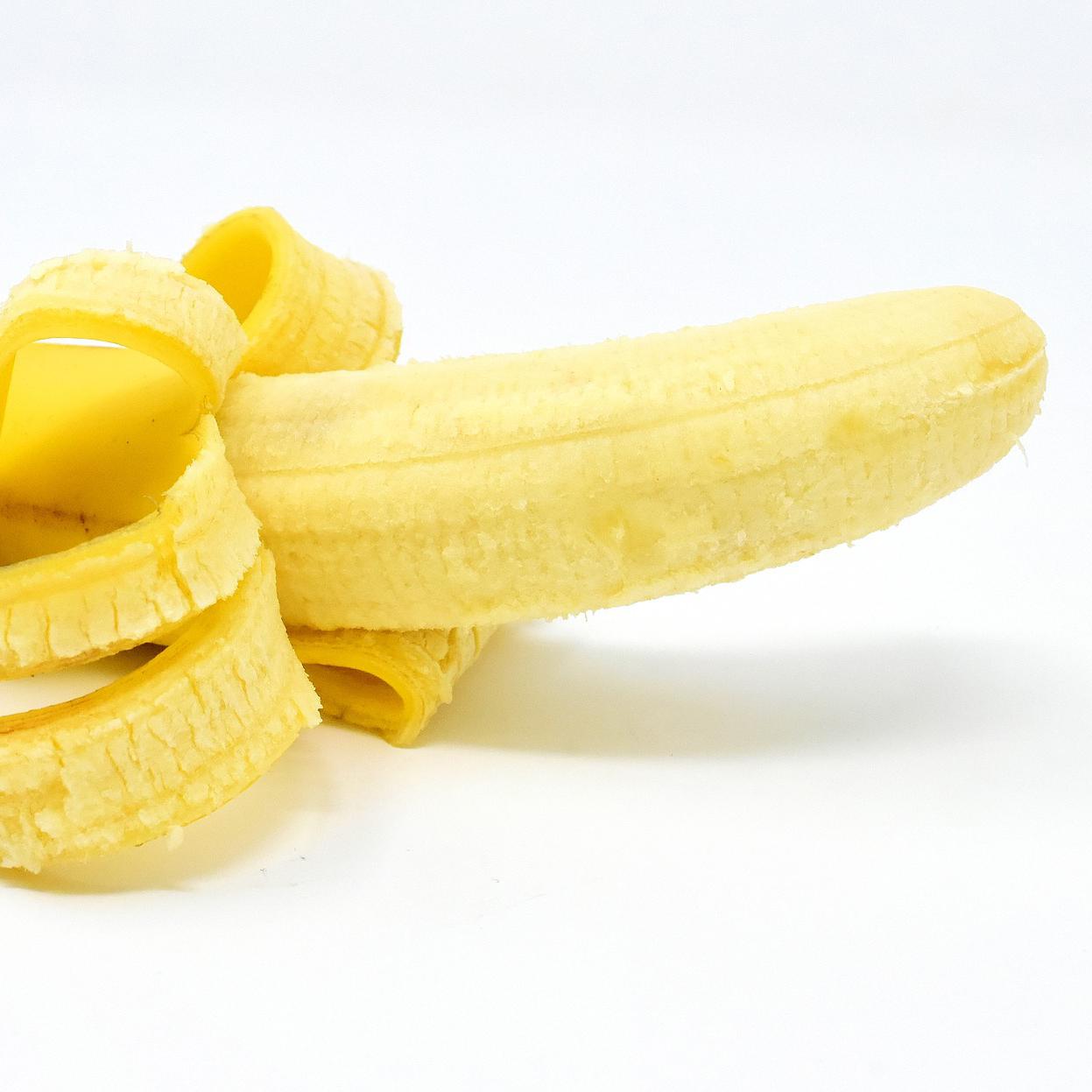剥かれたバナナ